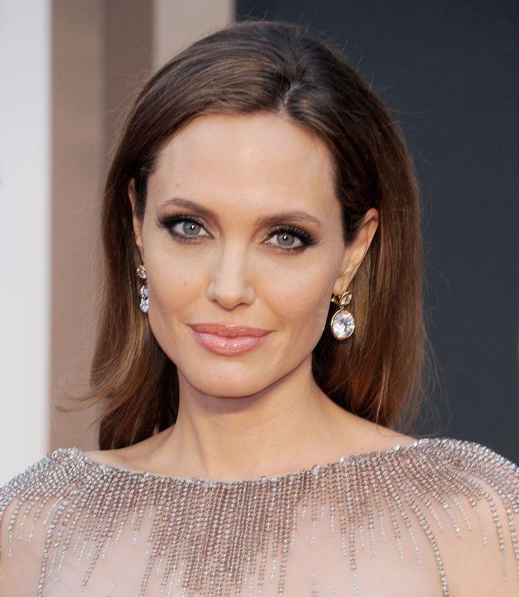 Siempre elegante y natural es el maquillaje de Angelina Jolie